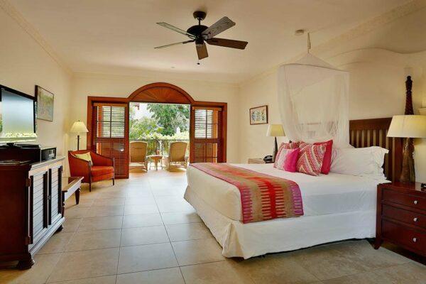 2 & 3 Bedroom Villas